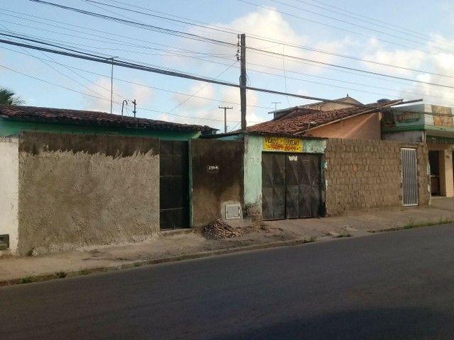 Terreno com 8 Casas - Foto 2
