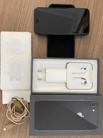Iphone 8 - 64GB - Cinza Espacial