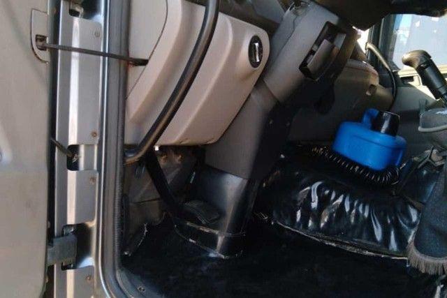 VW 24250 Graneleiro * parcelo com entrada  - Foto 3