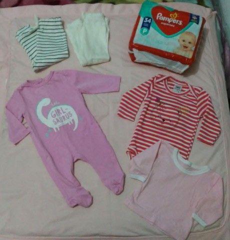 Roupinhas e fralda para bebê RN/P  - Foto 2