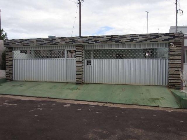 Casa integrante do Conjunto Mônaco - Possui 04dormitorios