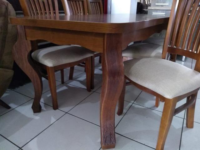 Mesa de madeira com 6 cadeiras de madeira tratada 2 M - Foto 3