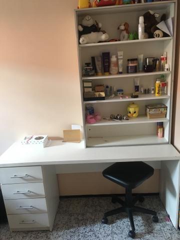 Vendo escrivana, com um armário aberto - Foto 3