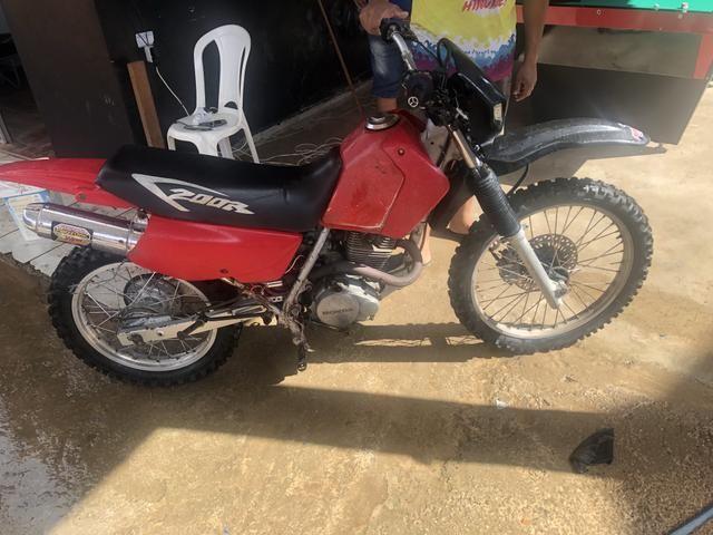 Vendo moto Xr200 boa para ramal - Foto 4