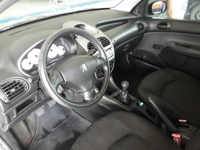 Peugeot 206 ano 2010 - Foto 9