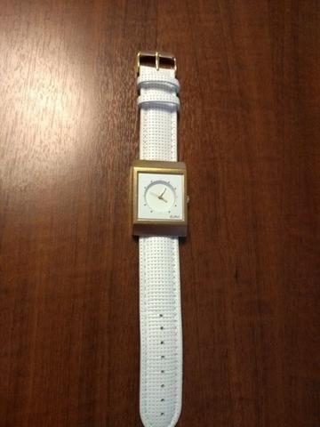 dddb24c1816 Relógio Euro dourado feminino