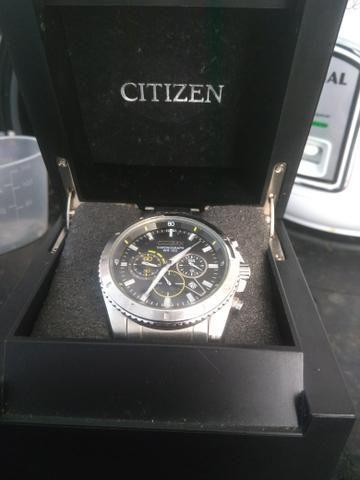 514d48ff56d Relógio pouco usado - Bijouterias