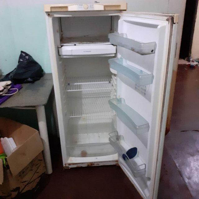 Vendo geladeira e fogao - Foto 3