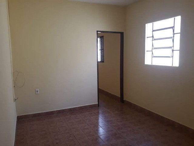 Vendo Casa Com Garagem 1 Dormitório Jardim Conduta Aceita Financiamento - Foto 19