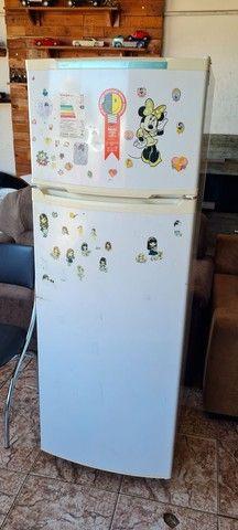 Geladeira consul gelando perfeitamente - ENTREGO