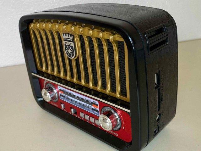 Rádio Retrô Portátil Mustang Vintage C/ AM e FM, Bluetooth, Antena e Lanterna 1200w - Foto 3
