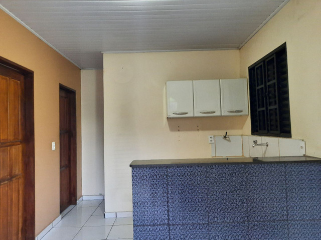 Novo Aleixo casa com 4 quartos mais 1kitnete terreno 8x20 murado.  - Foto 2