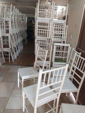 Vendo cadeiras reforçada ótima conservação Usada ótima conservação ( 70,00 CADA ) entrego