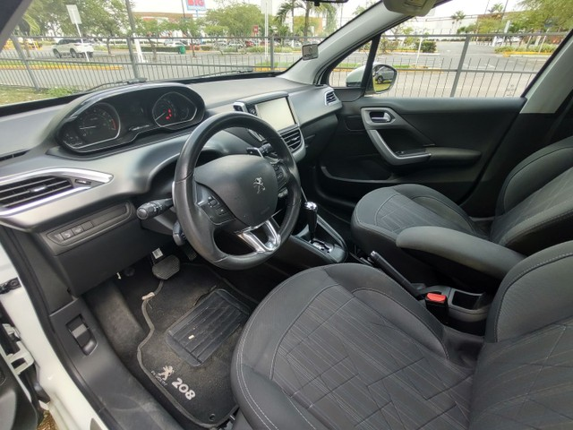 Peugeot 208 Griffe 1.6 At 2016 1 ano de garantia Julio Cezar 81 9. * - Foto 10