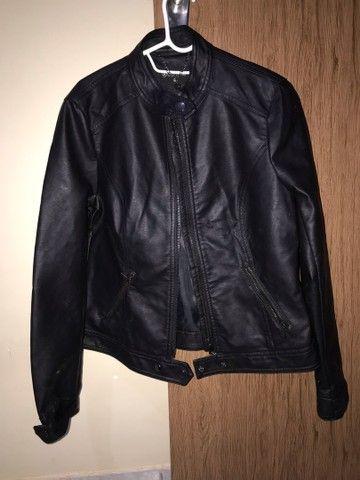 Vendo jaqueta de couro sintético RENNER TAM M