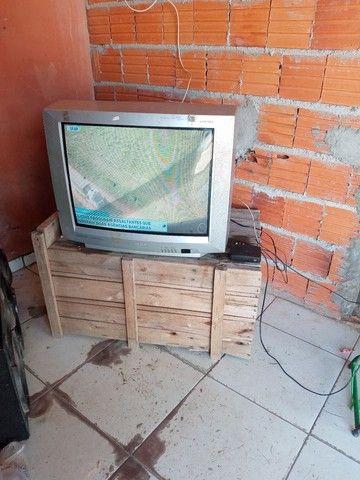 Televisao tubo com conversor 29 pol - Foto 3