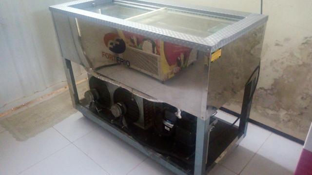 Maquina de Picole completa com freezer formas carrinho picolé