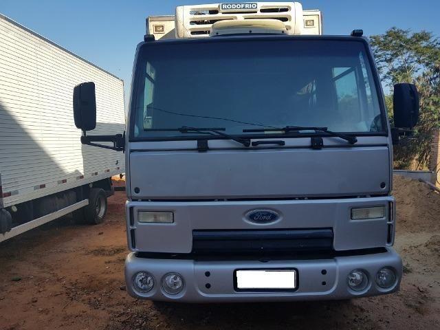 Ford Cargo 815 Ano 2011 12 Equipado Com Bau Frigorifico Caminhoes