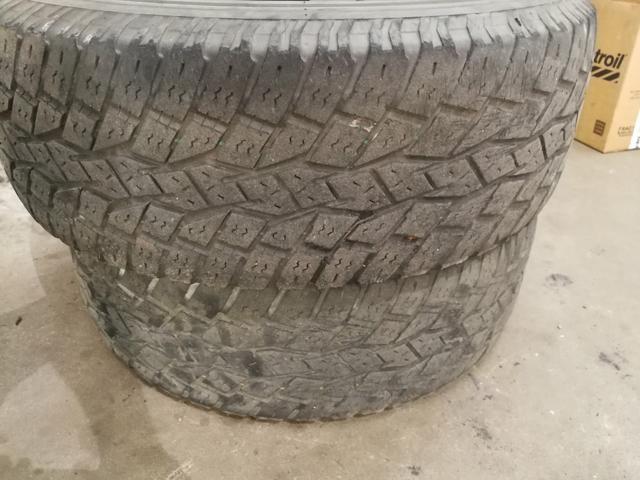 Par pneus toyo 265/65 17 Hillux, Pajero, Ranger, Pathfinder Toyo A/T
