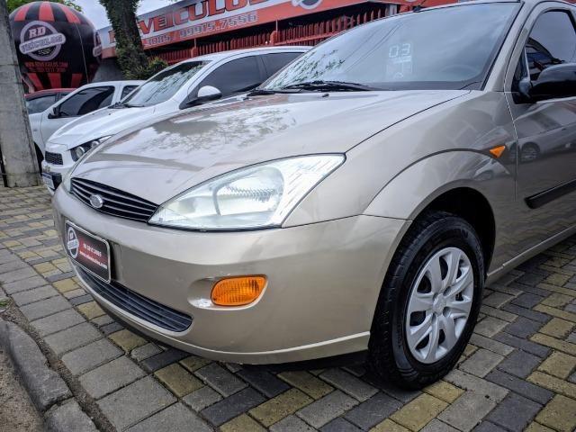Focus Hatch 1.8 Ano 2003 - Foto 17