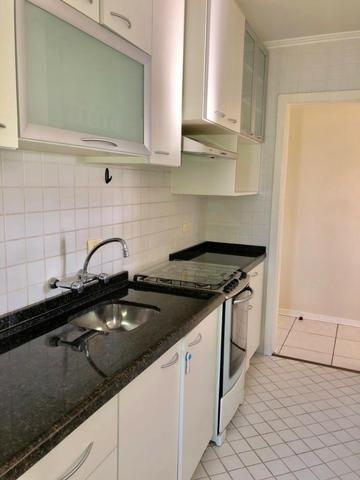 Apartamento 3 dormitórios mobiliada no Cabral - Foto 4