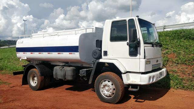 Ford cargo 1722E PIPA 10 mil litros