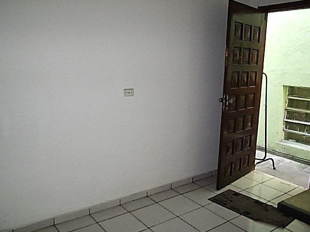Casa de 1dorm 5x5,sala e coz conjugado,banh,com armario - Foto 8