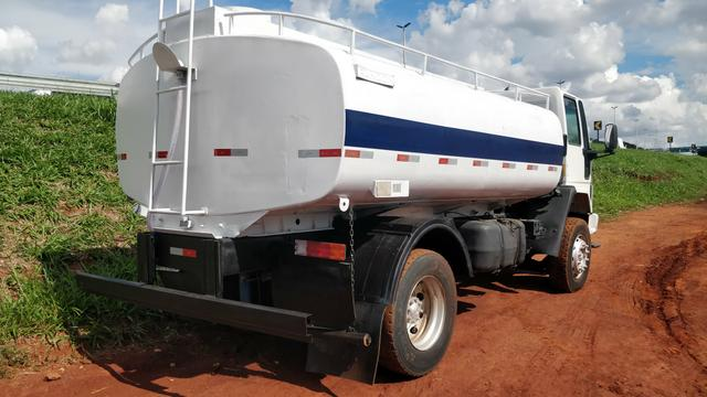 Ford cargo 1722E PIPA 10 mil litros - Foto 2
