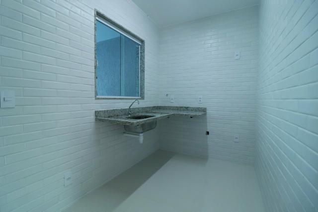 Imobiliária Nova Aliança! Vende Duplex Alto Padrão com Entrada para 2 Rua em Muriqui - Foto 8