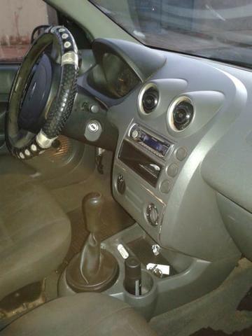 Ford Fiesta 2005 - Foto 4