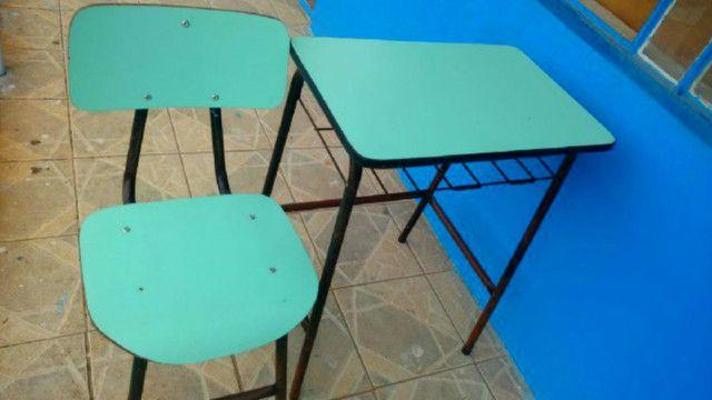 Cadeiras e Mesas Escolares de Fórmica Usadas em Alvorada