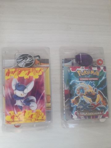 dois baralhos (deck) de pokémon