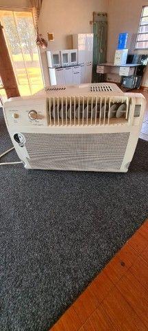 Vende - Se  Ar Condicionado de Janela Cônsul 7,500 BTUs 110 V Classe A - Foto 2