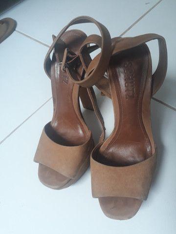 Sandália de salto Shultz