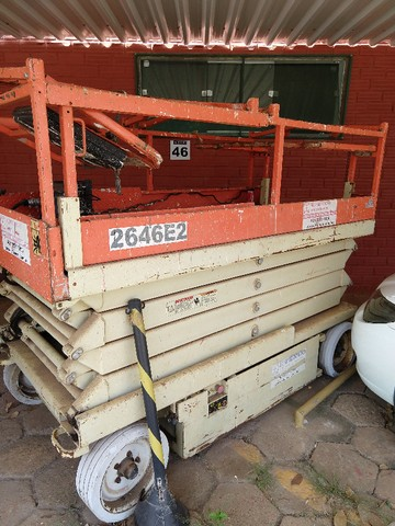 Plataforma elevatória tesoura 7,92m - Foto 2