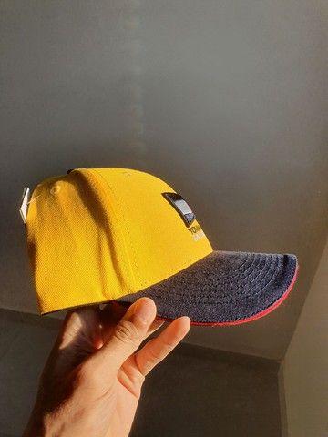 Boné Amarelo Tommy Jeans - Foto 2