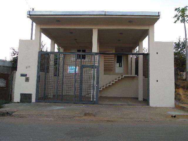 Casa no Centro de Felixlândia com Documentação