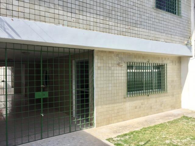 Casa Sobrado 3 qtos + 1 DCE, em Ipsep, Sala grande, Suite, quintal, varanda, muito boa!