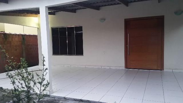 Vendendo - Casa na Rua Vila Rica, Bairro Vilage Tiradentes, 3 quartos