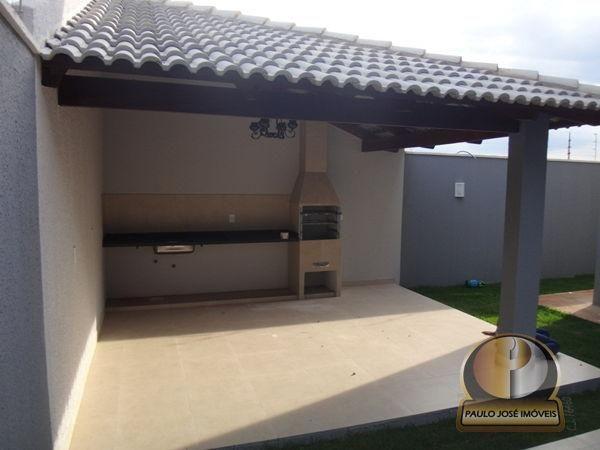 Casa sobrado com 3 quartos - Bairro Jardim Helvécia em Aparecida de Goiânia
