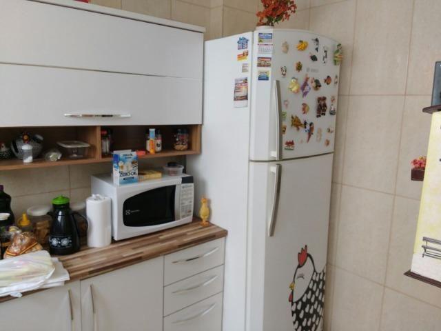 Excelente apartamento, todo em porcelanato, acabamento de primeira qualidade - Foto 17