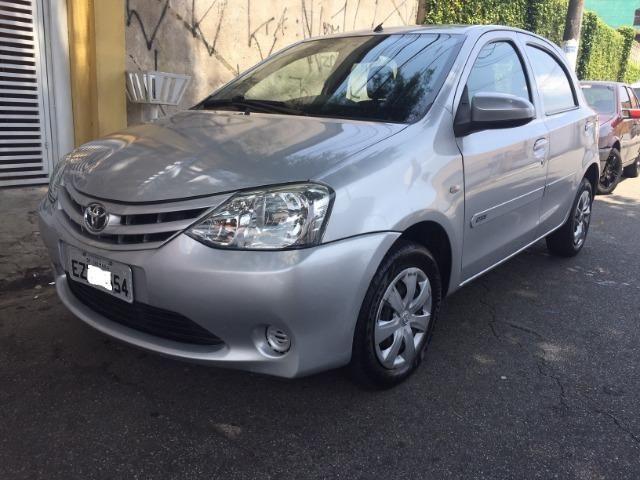 Toyota Etios 1.3 X 16V Flex Completo Baixa Km Unico Dono - Foto 2