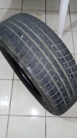 Vendo pneu usado