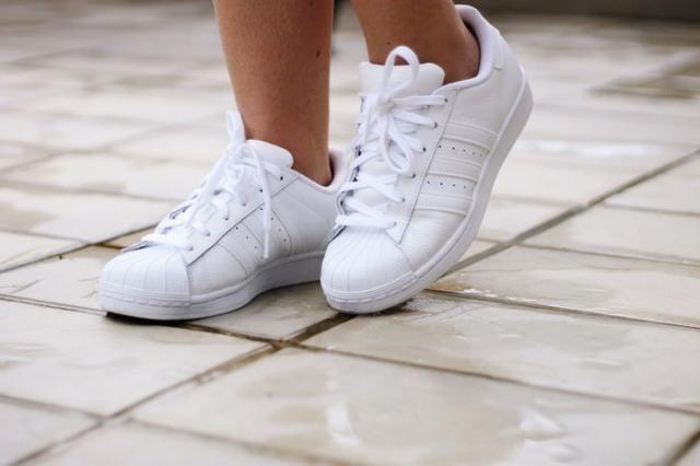 Adidas Total Black e total White - Foto 3