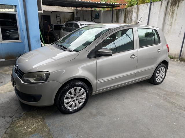 Volkswagen Fox 2012 1.6 completo de tudo - Foto 3