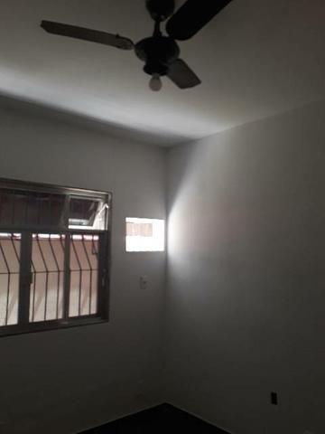 Alugo excelente casa em Vila residencial.  - Foto 2