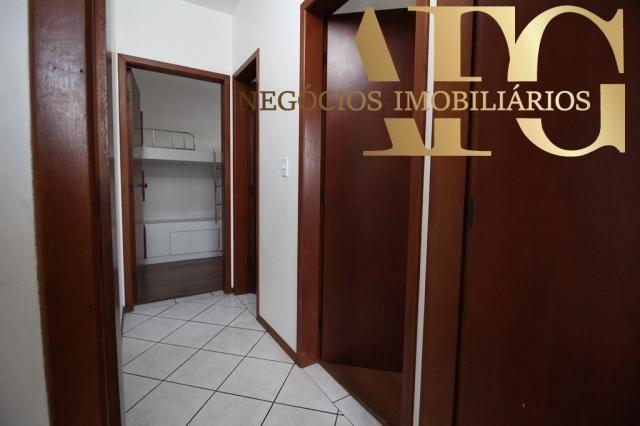 Apartamento com 3 dormitórios 1 suíte com elevador e sacada, próximo ao trevo de Barreiros - Foto 6