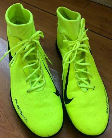 Chuteira Society Nike Phantom VSN Club Unissex  - Foto 2