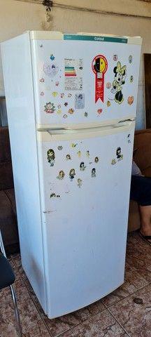 Geladeira consul gelando perfeitamente - ENTREGO  - Foto 2