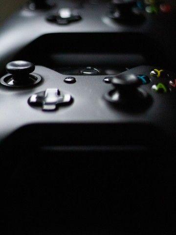 Xbox One 1TB completo com Kinect + 2 Controles + 2 Jogos - Foto 3
